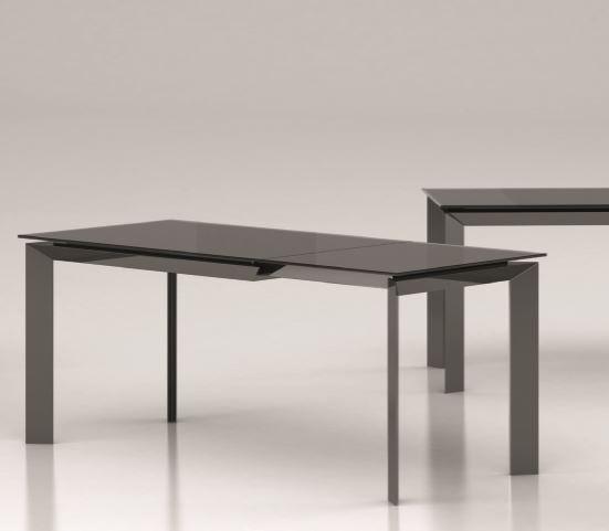 Tavolo moderno allungabile in vetro laccato - Mobili e Cucine Pesaro
